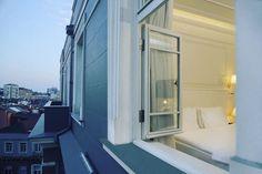 Huzura açılan pencere arıyoruz, biraz da tebessüm.... #gunaydin #corinnehotel #hotels #room #istanbul #turkey #turkiye http://www.corinnehotel.com/suleymaniye-bath/