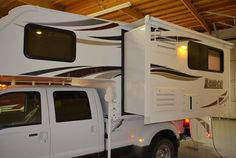 Lance Campers debuts the 2016 Lance a ten-foot, four-inch truck camper with a full-wall slide out and a dry bath. Lance also teases a new model. Small Camper Trailers, Small Campers, Cool Campers, Best Truck Camper, Pickup Camper, Modern Hippie Style, Hippie Chic, Lance Campers, Camper Shells