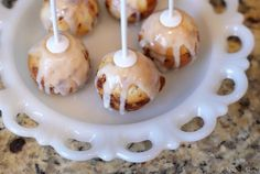 Cinnamon roll cake pops...YUM!