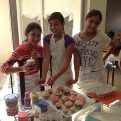 Tiny cakes academy. Cake decoration classes.