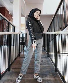 16 Ideas For Style Hijab Casual 2019 Hijab Casual, Hijab Chic, Ootd Hijab, Trendy Fashion, Fashion Outfits, Womens Fashion, Trendy Style, Fashion Trends, Muslim Fashion