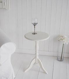 Ivory round small pedestal wooden table - Hall and Living Room Furniture White Furniture, Furniture For You, Bathroom Furniture, Living Room Furniture, Hall And Living Room, Hall Tables, New England Style, City Style, Wooden Tables