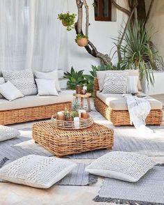 35 Beachy & Boho Patio Ideas To Try This Summer - My Style Inspo Ikea Outdoor, Outdoor Rooms, Outdoor Beach Decor, Outdoor Living, Beach Patio, Backyard Patio, Balkon Design, Decoration Inspiration, Garden Inspiration