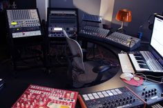 In the Studio: Magda   XLR8R