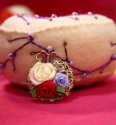 Colgante camafeo con rosas