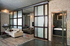 Раздвижные двери-купе, помогут отделить спальную зону и сделать ее более уютной в квартире 40 м.кв.