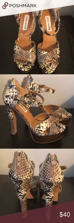 STEVE MADDEN P-RUBI never worn Platform open toe Snakeskin shoes. Perfect  for Spring