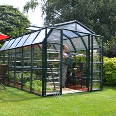 The Grand Gardener 2 Clear features 2 kinds of virtually unbreakable polycarbonate coverings to give you the best of both worlds. Crystal clear polycarbonate side walls allow clear views while being ultra-safe. Meanwhile, the twin-wall roof panels diffuse over 90% of sunlight for a soft, even light. The weatherproof frame on the Grand Gardener 2 also features simplified assembly with the pin and lock system, while the roof panels now simply slide into place. This heavy-duty extruded resin…