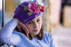 Violet. Knitted beret.