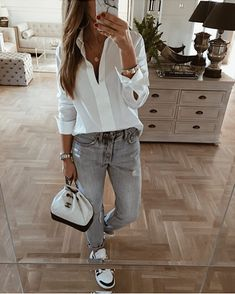 Chic and casual business attire ideas for women 17 Mode Outfits, Office Outfits, Casual Outfits, Fashion Outfits, Hijab Casual, Woman Outfits, Blazer Outfits, Casual Clothes, Casual Dresses