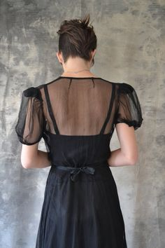 the dress from the back and look at that tough haircut! Want...but trying to grow mine out...but...ooooh...