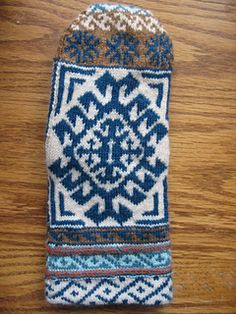 Turkish Sampler Mitten Charts by Renee Burton - free