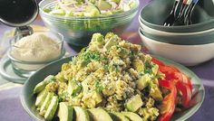Avokado-pestorisotto - K-ruoka Pasta Salad, Pesto, Risotto, Potato Salad, Nom Nom, Side Dishes, Grains, Potatoes, Ethnic Recipes
