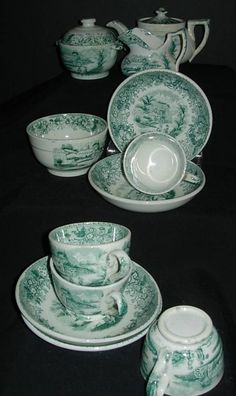 Exquisite antique porcelain children's tea set made in Scotland in 1840 by David Methven and Sons Antique Tea Sets, Antique Toys, Vintage Toys, Childrens Tea Sets, China Tea Sets, Tea Service, Sculpture, Tea Party, Tea Cups