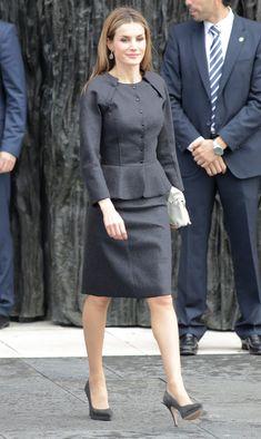 La Reina se inspira en la Semana de la Moda de París #realeza