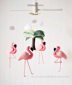* Petite Version de Flamingo Les flamants roses de ce mobile sont plus petit comparer avec les autres mobiles flamingo dans la boutique. Au