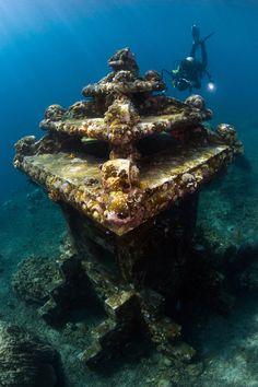 Scuba Diving in Amed, Bali, Indonesia. Underwater Ruins, Underwater Photos, Underwater World, Underwater Photography, Underwater Drone, Honeymoon Photography, Kuta Beach, Best Scuba Diving, Caribbean Netherlands