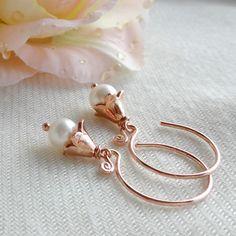 Creolen Gold Perlen Pearl Earrings, Pearls, Gold, Shopping, Jewelry, Gemstone Beads, Ear Jewelry, Rhinestones, Weddings