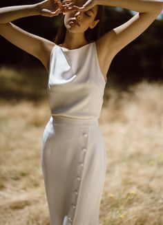 Lola Varma - minimal bride - modern bride - unique bride - cool bride - sleeved dress - modern wedding dress - bride - non traditional bride - vogue bride - Spring Outfits, Winter Outfits, Silk Crepe, Mode Style, Street Fashion, Marie, Ideias Fashion, Fashion Dresses, Dressing