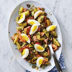 Salade de pommes de terre au saumon et aux oeufs