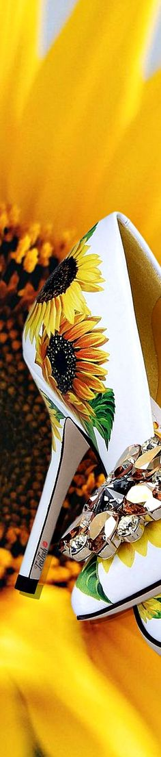 Sunflower Fields, Love And Light, Sunflowers, Color Yellow, Colour, Gladiolus, Pumps, Heels, Peonies