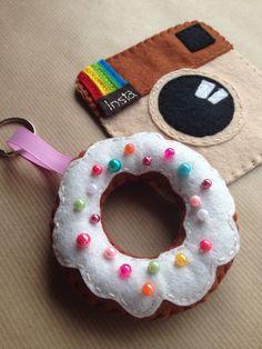 DIY bows, lots of bows! Diy Bow, Diy Hair Bows, Diy Finger Knitting, Tutu Decorations, Felt Kids, Crochet Wreath, Felt Finger Puppets, Mermaid Diy, Diy Headband