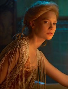 Mia Wasikowska as Edith Cushing in Crimson Peak (2015).
