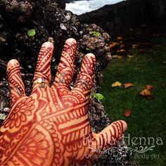 Organic Henna Products.  Professional Henna Studio. KonaHenna.com  By and On @konacolorkitten