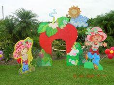 Google Image Result for http://1.bp.blogspot.com/_L-deInbQA9c/S6ufLY9ebRI/AAAAAAAAHAU/3hkF4agnex8/s1600/strawberry-shortcake-birthday-party-decorations.jpg