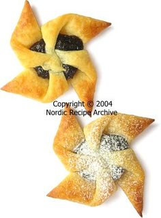 Traditional Finnish prune or apricot filled Christmas pastries of pinwheel shape. Christmas Deserts, Christmas Traditions, Christmas Stars, Yummy Cookies, Christmas Cookies, Holiday Recipes, Holiday Foods, Family Recipes, Christmas Recipes
