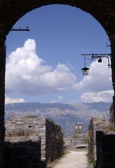 Torre del reloj, Gjirokastra, Albania.
