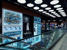 Global Creative Director / Retail Experience DesignWorked with store design, brand design, and retail marketing to create  holistic retail environment for Nike inc..