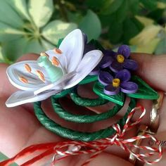 March brooche - lily and violets by Maria Oroian Quilling Work, Quilling Flowers, Paper Quilling, Diy And Crafts, Lily, Violets, Plants, March, Jewelry