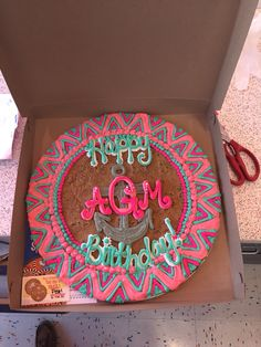 Chevron all the way! Cookie Cake Designs, Cookie Cakes, American Cookie, Cupcake Bakery, Celebration Cakes, Cake Ideas, Chevron, Cake Decorating, Outdoor Blanket