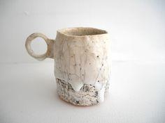 Pottery by Kazuhiro Katase Japanese Ceramics, Japanese Pottery, Modern Ceramics, Contemporary Ceramics, Pottery Pots, Ceramic Pottery, Eclectic Mugs, Clay Cup, Ceramic Design