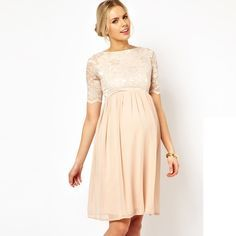 Mariage : les plus belles robes pour femmes enceintes - Robe patineuse mi-longue en dentelle et mousseline de chez ASOS MaternitéPrix : 52,52 euros