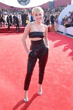 Miley Cyrus in anAlexandre Vauthier black leather set at the MTV VMAs.