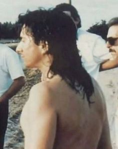 Steve Perry appearing nearly naked, inciting fan swoons 😍 Steve Perry Daughter, Steven Ray, Wheel In The Sky, Journey Steve Perry, Rock Concert, Perfect Man, New Music, Music Artists, Beautiful Men