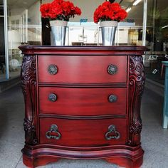 Absolutely stunning nightstand in General Finishes Holiday Red and Pitch Black Glaze Effect by Odds and Ends. Check out General Finishes Design Center at designs.generalfinsihes.com for more ideas! #generalfinishes #gfmilkpaint #holidayred #gfglazeeffects #pitchblack