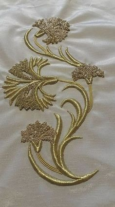 Terrific Screen Embroidery Patches for kurtis Thoughts The most effective along with most commonly encountered foundation fabric with regard to spots will Zardosi Embroidery, Embroidery On Kurtis, Kurti Embroidery Design, Embroidery On Clothes, Hand Work Embroidery, Couture Embroidery, Embroidery Motifs, Japanese Embroidery, Gold Embroidery