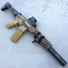 Sick build via by gun_religion Military Weapons, Weapons Guns, Guns And Ammo, Anime Weapons, Ar 15 Builds, Arsenal, Fire Powers, Home Defense, Cool Knives