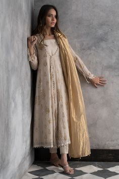 Ravishing off-white cotton net Pakistani stitched dress by Nida Azwer traditional wear 2018 - Online Shopping in Pakistan Indian Attire, Indian Ethnic Wear, Pakistani Outfits, Indian Outfits, Pakistani White Dress, Pakistani Long Dresses, Pakistani Casual Wear, Nikkah Dress, Pakistani Dresses Online