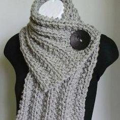 Bekijk de foto van nes73 met als titel knoop sjaal / button scarf en andere inspirerende plaatjes op Welke.nl.