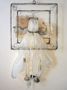 WireWorks series - Swan - #Assemblage #foundobjects #recreate #plasticbag #recycle #plasticsoup #metals
