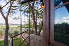 Treehouse Airbnb in Florence - Get $25 credit with Airbnb if you sign up with this link http://www.airbnb.com/c/groberts22