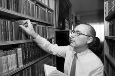Luis Alberto de Cuenca, nuevo director de la revista Arbor