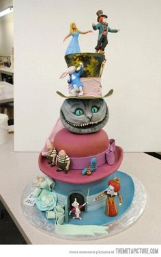 Alice in Wonderland Cake. Who makes these awesome things!?