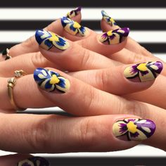Floral nail art for summer