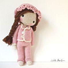 Muñeca Chanel ;) Sin patron ❥Teresa Restegui http://www.pinterest.com/teretegui/❥