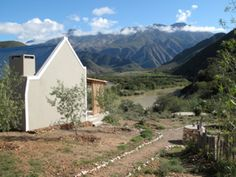 River View Cottages is a romantic weekend getaway in Calitzdorp. Romantic Weekend Getaways, Farm Houses, South Africa, Cape, Trips, Road Trip, Cottage, River, Mantle